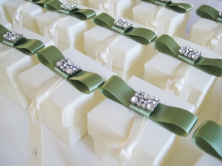 Favour Boxes with dior bow and crystal